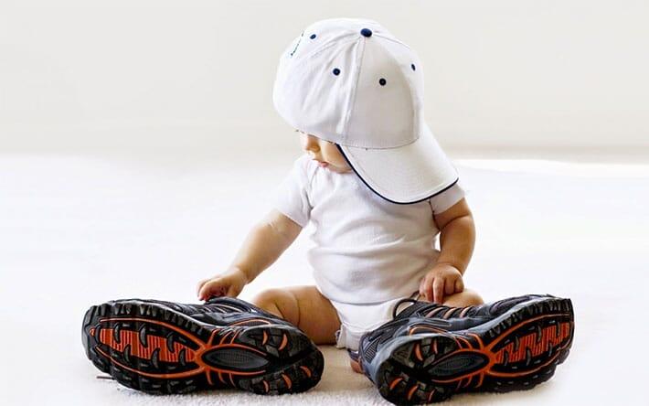 bebelus-adidasi