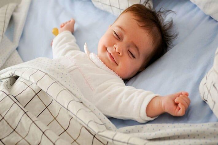 bebelus-dormind