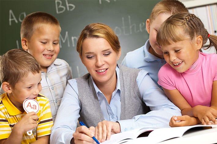 profesor-si-elevi
