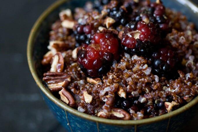 quinoa-scortisoara-nuci-mure