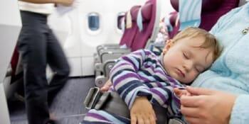 Sfaturi pentru călătoria cu avionul cu cei mici